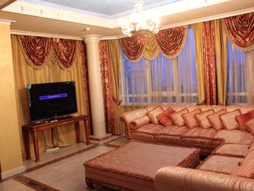 ул. Орджоникидзе - Просторная квартира с двумя спальнями спортзалом и бильярдной