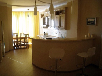 132 Трехкомнатная квартира в Миллениум тауэр