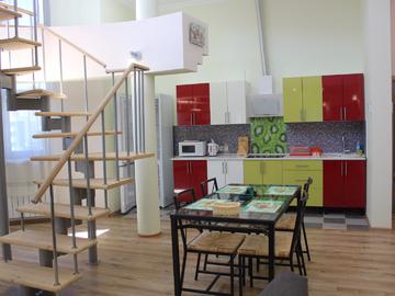111 Двухуровневые апартаменты в центре Сочи у моря