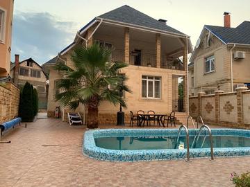 Дом с сауной и подогреваемым бассейном на территории пять соток на мамайке