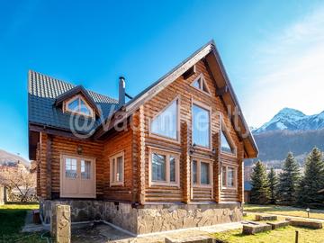 Дом в Красной Поляне с участком 20 соток баня, бассейн, джакузи