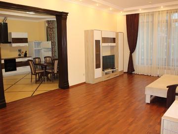 ул. Орджоникидзе - 4-ком. квартира на Приморской набережной